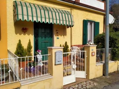 Porzione trifamiliare - Pietrasanta - Marina di Pietrasanta